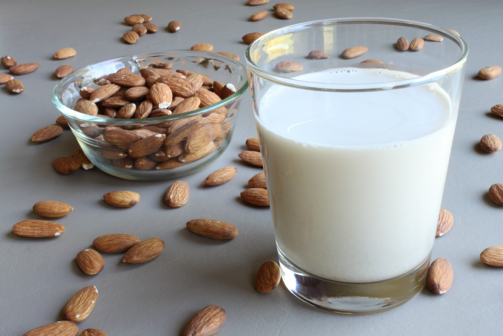 Almond Milk, Vanilla 1.89 L - Silk - DIZIN Online Store